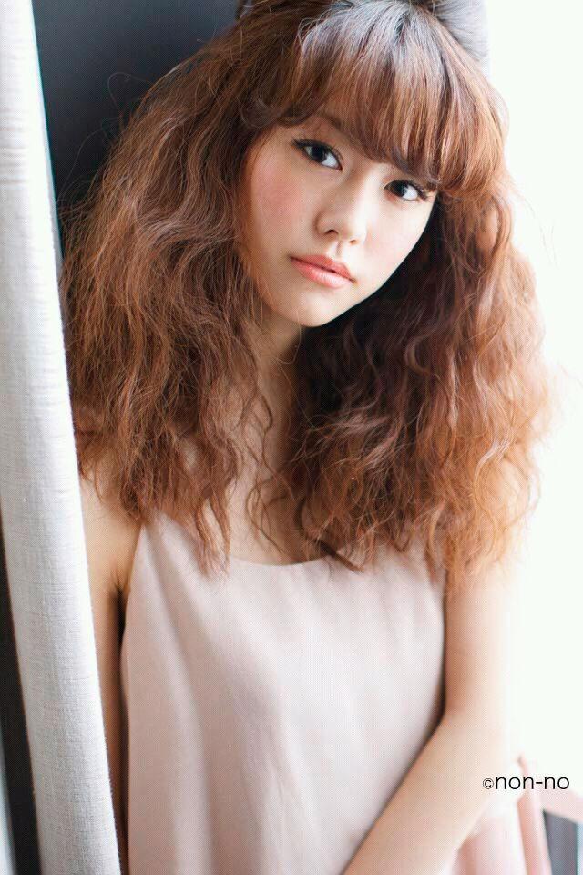 明るめカラーの桐谷美玲