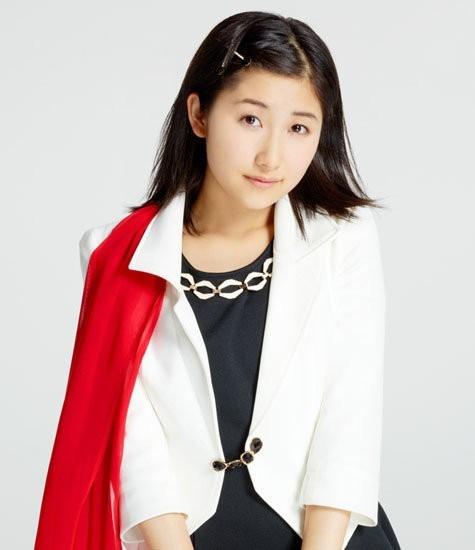 可愛い衣装を着ている佐藤優樹の画像♪