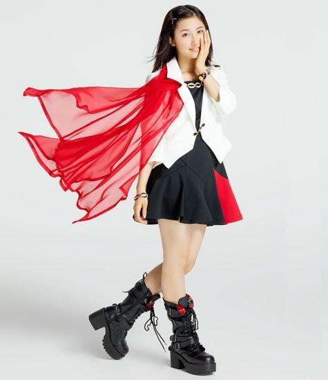 ミニスカートの可愛い衣装を着た佐藤優樹の画像♪
