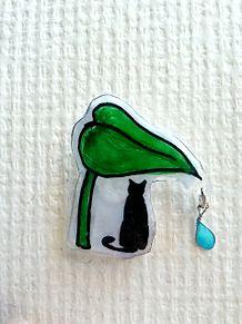 猫の雨宿りピンバッジの画像(雨宿りに関連した画像)