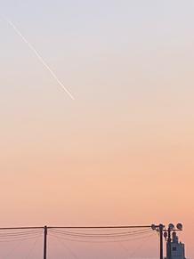 夕焼けとひこうき雲の画像(ひこうき雲に関連した画像)