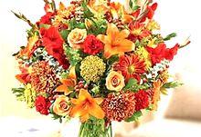 オレンジ色の花アレンジ 右下のハートを押してねの画像(オレンジ色に関連した画像)