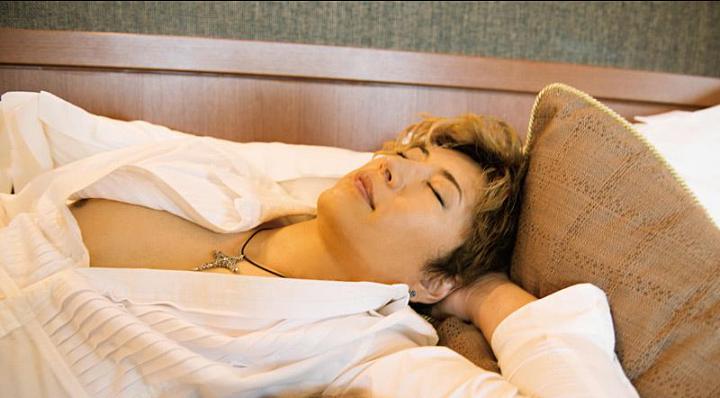 眠る姿が美しくてかっこいいGackt