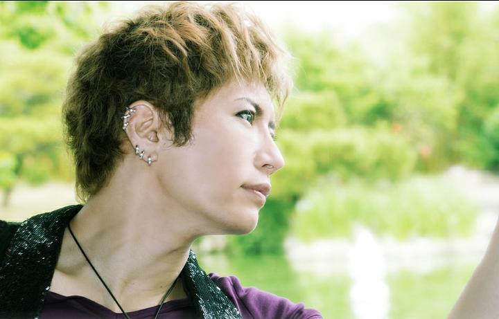 Gacktの横顔がとてもかっこいい