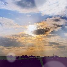 突き進む光の画像(進むに関連した画像)