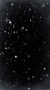snow 雪 青 白 黒 雲 結晶 素材 背景 幻想 冬 綺麗の画像(プリ画像)