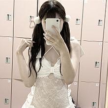 白の水着の女の子 プリ画像