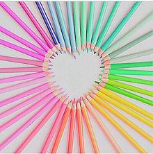 色鉛筆 画像
