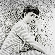オードリー  ヘプバーン  写真右下のハートを押してねの画像(オードリーに関連した画像)