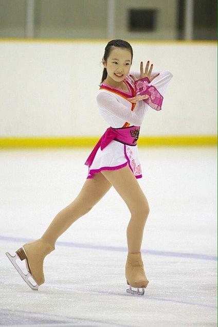 本田真凜の白とピンク