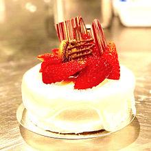 フレッシュ苺とチョコレートのデコレーションケーキの画像(デコレーションケーキに関連した画像)