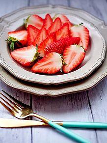 イチゴ  苺  ストロベリー  写真右下のハートを押してね プリ画像