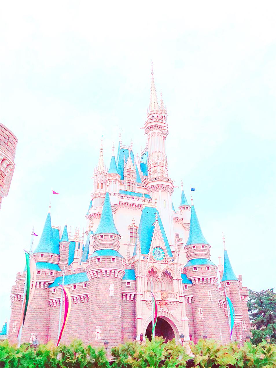 ピンク色っぽいシンデレラ城
