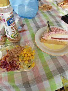 昼ごはんツナコーンサラダ 苺レアチーズタルトケーキの画像(チーズタルトに関連した画像)