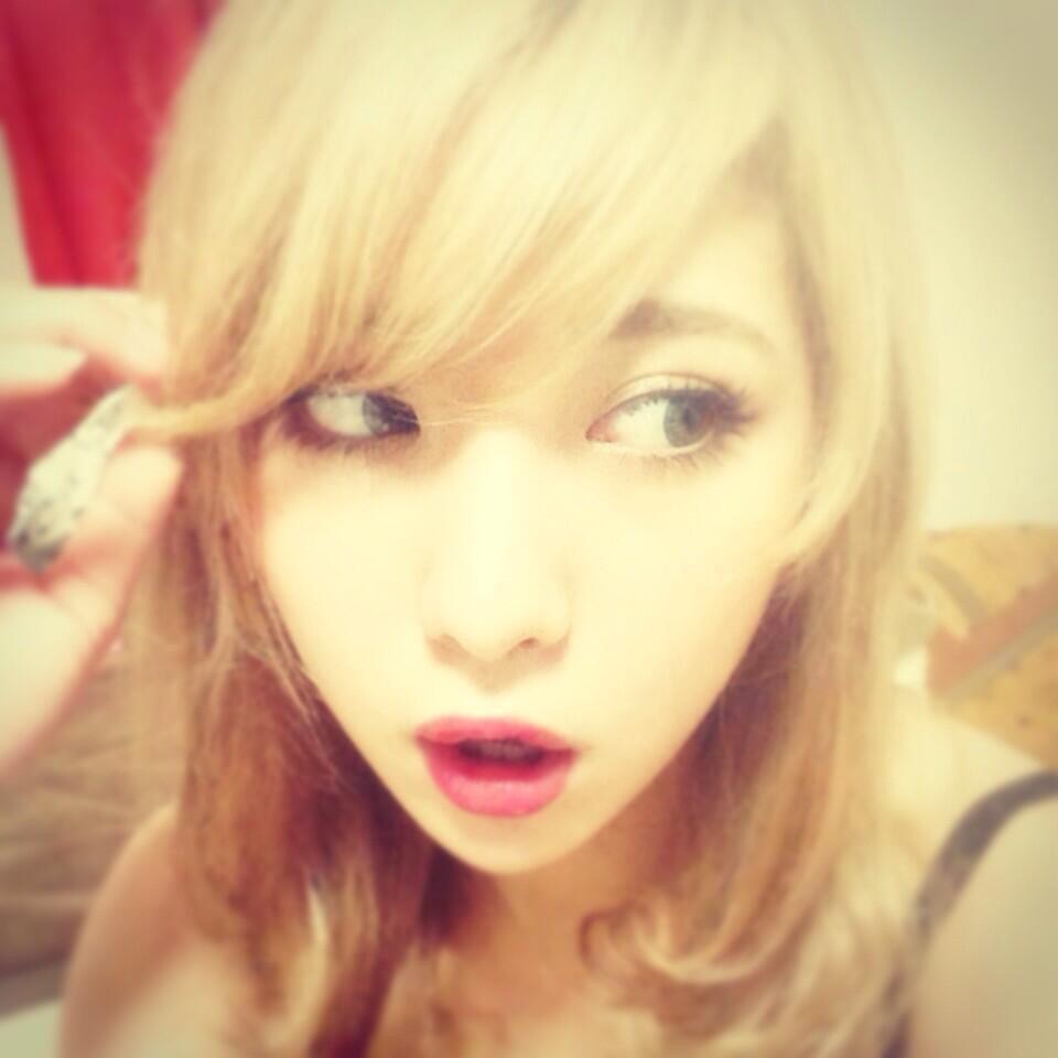 金髪のかわいい石川恋