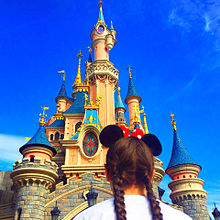 Disney 可愛い 海外ガール 空ゆめかわ 外国 加工素材背景 プリ画像