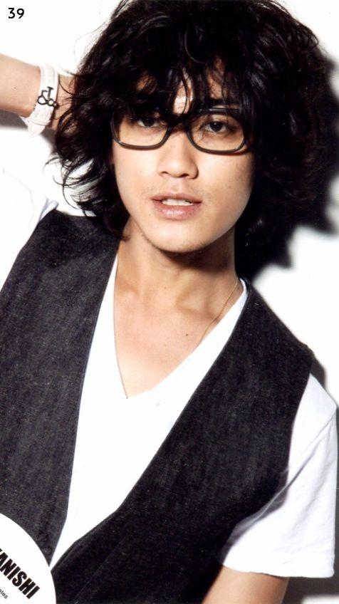 メガネがとても似合うイケメン赤西仁