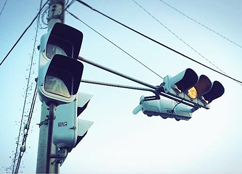 朝の動いてない信号機の画像(プリ画像)