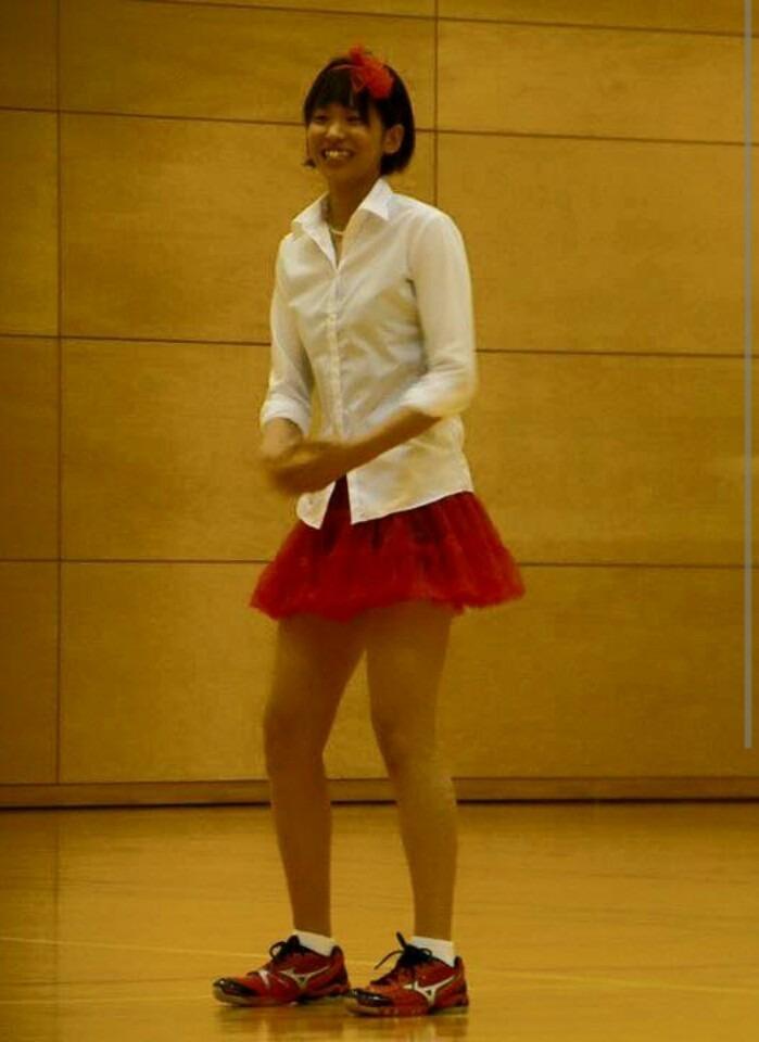 ミニスカートの可愛い古賀紗理那