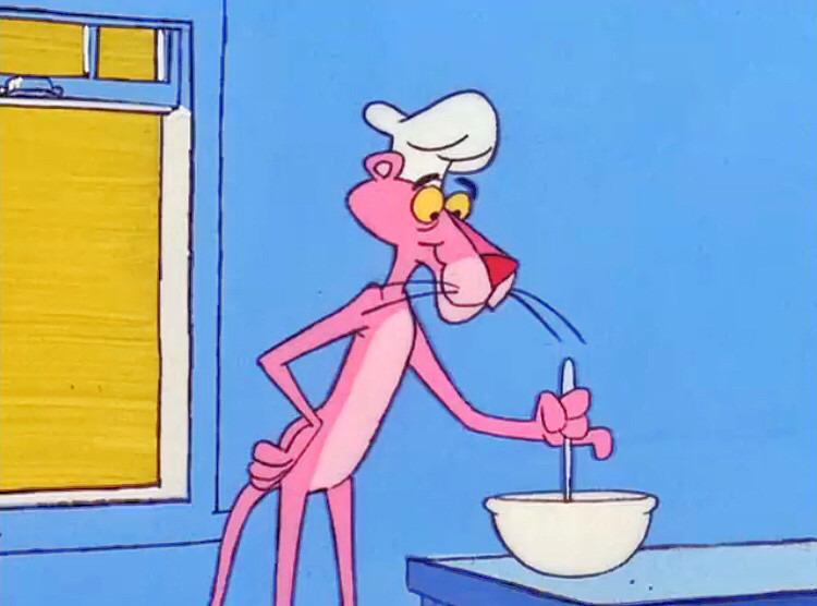 料理を作っているピンクパンサーです。