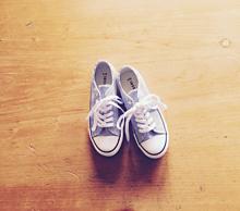 スニーカーの画像(靴に関連した画像)
