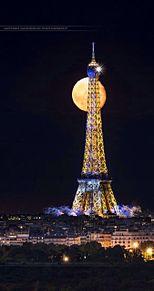 夜のエッフェル塔の画像(エッフェル塔に関連した画像)