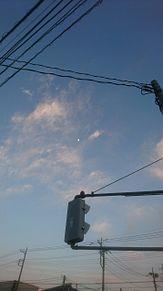 青空にお月さまの画像(空に関連した画像)