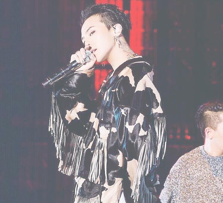 ライブで歌っているジヨン高画質画像です。