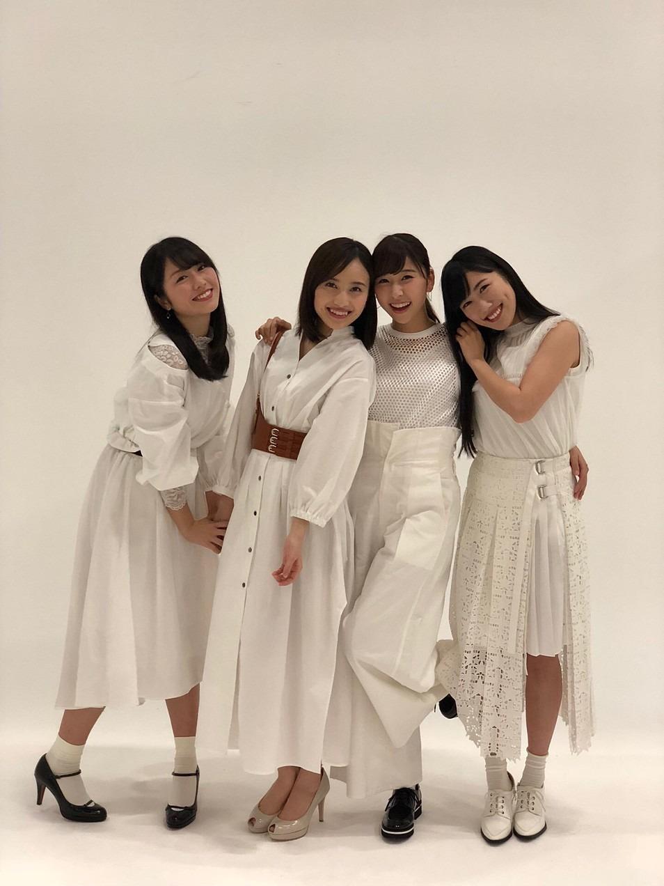 全員白の衣装、高城れに