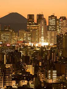 新宿西口ビル街と富士山の夕景の画像(プリ画像)