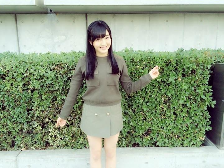私服で微笑むHKT48の田島芽瑠