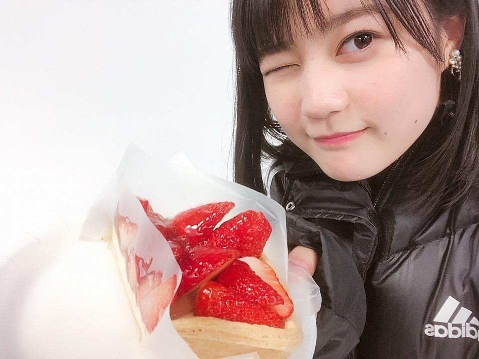 ウィンクするかわいい生田絵梨花