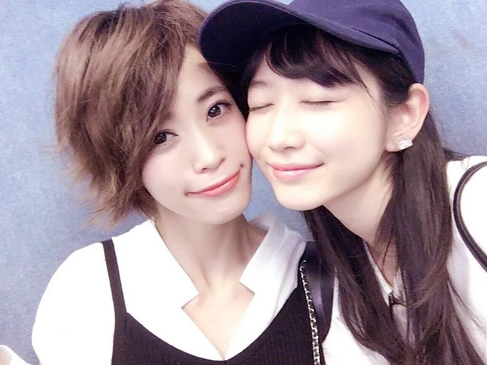 岡本夏美と坂田梨香子