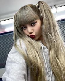 BLACKPINK LiSAの画像(ジェニに関連した画像)