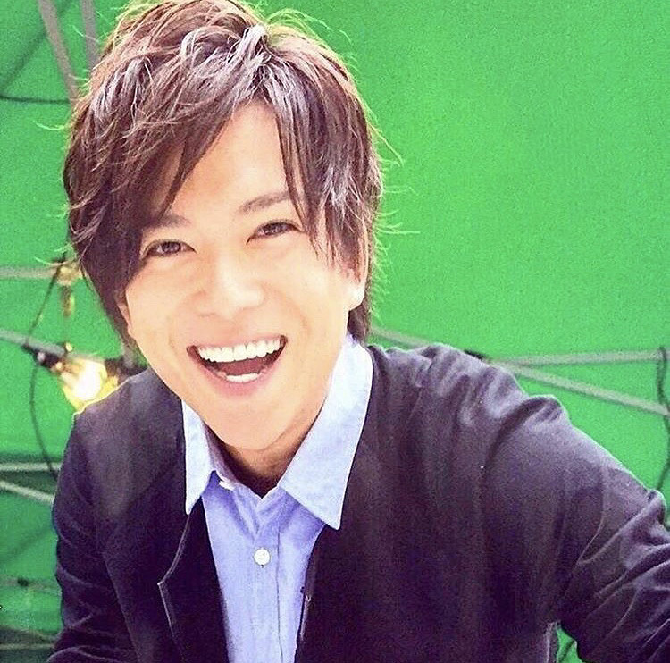 素敵な笑顔の加藤シゲアキ
