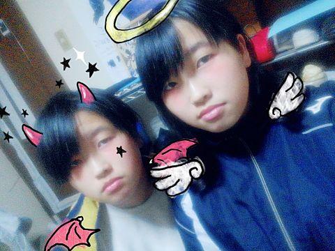 双子の姉と自撮り笑の画像(プリ画像)