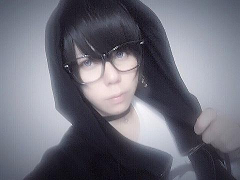(黒)髪×メガネ×フード×チョーカーの画像 プリ画像