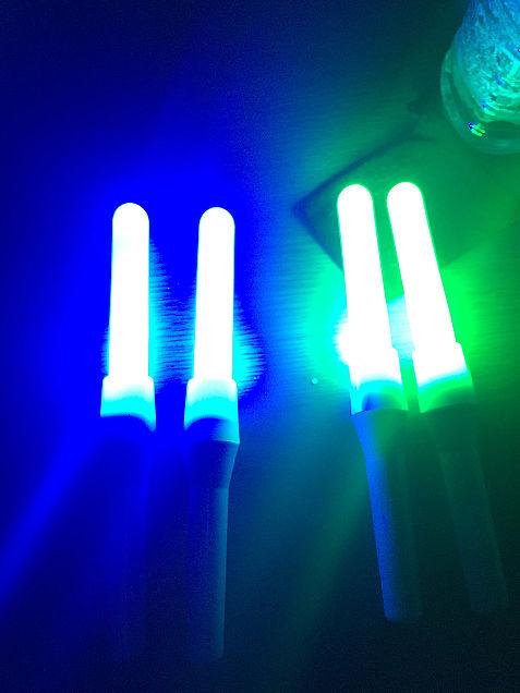 青と緑のチアライトの画像(プリ画像)