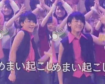 ファンに笑顔で応える藤田裕也。