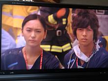 山下智久さんと、新垣結衣さんと、比嘉愛未さんの画像(コードブルーに関連した画像)