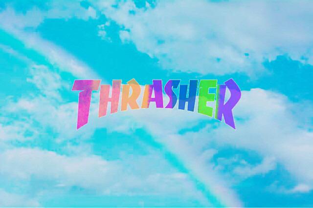 青空背景のスラッシャーのロゴ