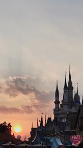 シンデレラ城×夕日の画像(シンデレラ 待ち受けに関連した画像)