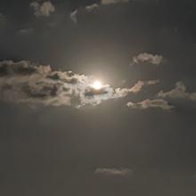 空の画像(モノトーン 素材に関連した画像)