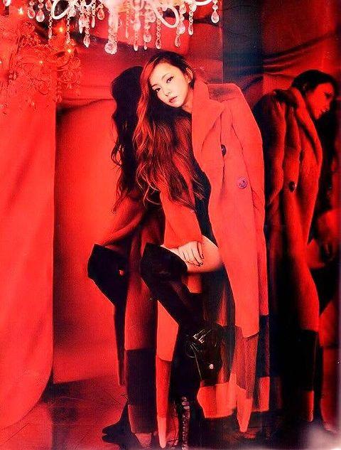 抜群のスタイルな安室奈美恵。