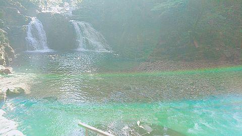 滝with虹の画像(プリ画像)