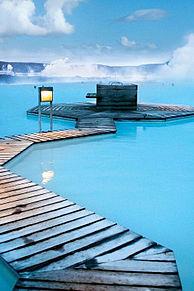 世界最大の露天風呂とオーロラの画像(アイスランドに関連した画像)