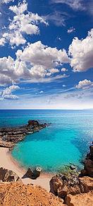 スペインの宝石 鮮やかなターコイズブルーが眩しいの画像(行きたいところに関連した画像)