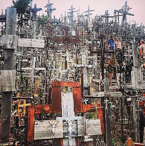 シャウレイ リトアニア 十字架の丘の画像(プリ画像)