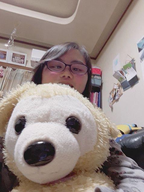 熊のぬいぐるみと私の画像(プリ画像)