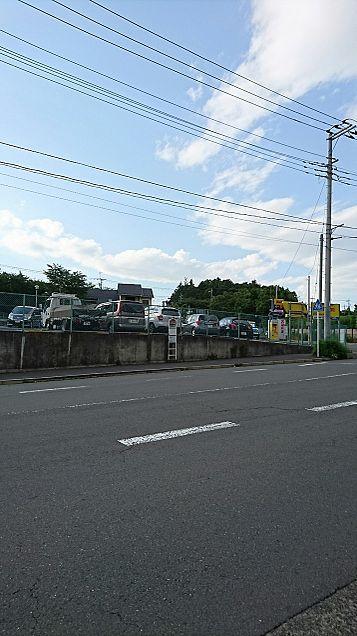 学校の近くのバス停の近くの写真の画像(プリ画像)